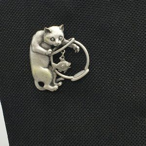 JJ Brooch Cat in the Fishbowl Pewter ,Articulated
